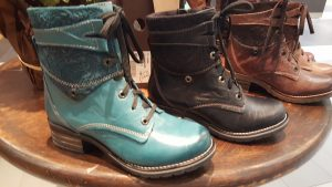 The perfect holiday gift- KARA in Print Teal and Black
